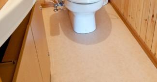 トイレの床掃除