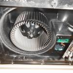 浴室乾燥機分解洗浄です。