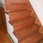階段磨き工事です。