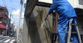 玄関の高圧洗浄クリーニング