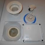 浴室の排水管廻り洗浄です。(横浜市)