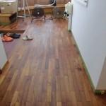床板磨き作業の経過報告です。(座間市)