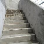外部階段高圧洗浄です。(横浜市)