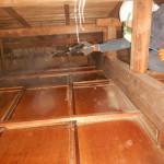 天井裏の清掃です。(横浜市)特殊洗浄